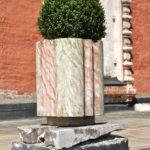 Декоративный вазон из литьевого мрамора